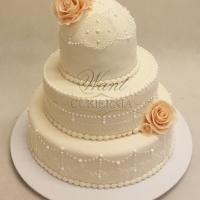tort weselny koronkowy